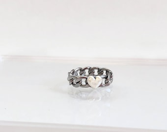 The Heart Chain Ring