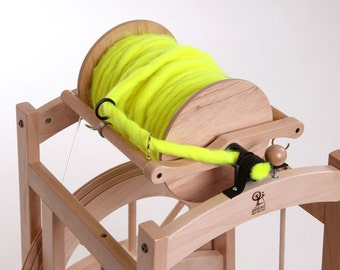 Ashford COUNTRY SPINNER 2 sliding guide flyer gianormous 2-pound bobbin for art yarns and production