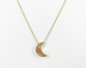 14K Gold Crescent Moon Shape Necklce