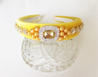 Beautiful Jewelled Cabochon Champagne Diamante Headband with Faux Pearls on a Yellow Padded Alice Band Tiara