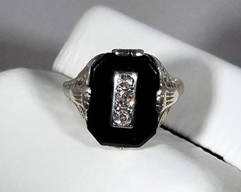 Art Deco 14K White Gold Onyx Diamond Filigree Ring