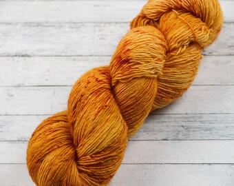 Hand Dyed Yarn / Goodbye Scarecrow Colorway / Sorcerous Singles / Variegated Yarn / Speckled Yarn / Single Ply Yarn