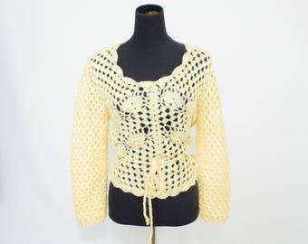 Vintage 70s 80s Womens Small Medium Acrylic Cream Crochet Knit Sweater
