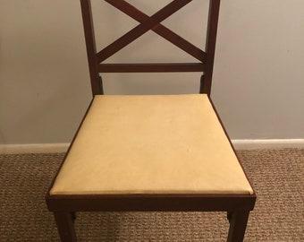 Leg-O-Matic auto-fold chair