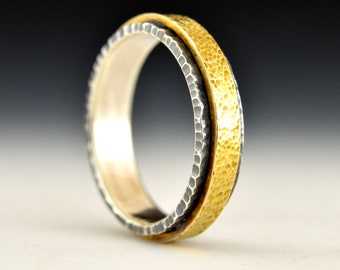 Micro-textured mixed metal mens wedding band