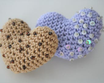 PATTERN - Little amigurumi heart - brooch or ponytail holder -  amigurumi pattern, crochet pattern, pdf