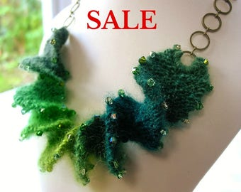 S A L E - Yarn Spiral Necklace Knitting Kit - Fern