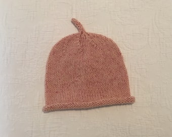 Hat for baby, hand knitted in pink merino/silk yarn