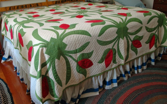 Antique Pa APPLIQUED TULIP QUILT, Rare Size 8' x 8', Hand Stitched, Beautiful Estate Vintage Condition, Ca 1890s, Free Shipping