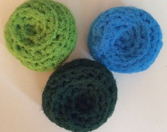 Set of 3 Kitchen Dish Crochet Scrubbies / Pot Scrubbers for 4.50 / scrub / dishes / dish / kitchen / pots / pan clean cleaning cleaner wash