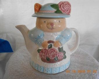 Whimsical Kitty Cat Teapot