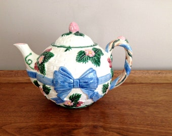 Ceramic Teapot HALDON Blue Ribbon Majolica 1985