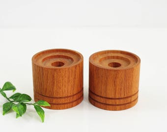 Mid Century Modern Turned Wood Candle Holders / Vintage Candle Holders / Solid Oak Wood Candlesticks / Pair of Wooden Candle Holders