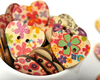 READY TO SHIP | 20 wood heart buttons - Floral hearts wood buttons. Painted buttons scrapbook embellishments. Crafts and gift wrapping