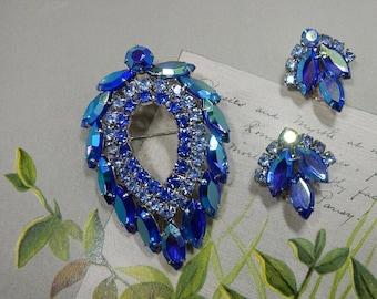 Vintage JULIANA for Sarah Coventry BLUE LAGOON Teardrop Rhinestone Brooch & Clip Earrings Set    PJ48