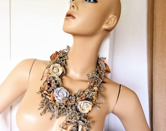 Silk and wool with natural colors necklace