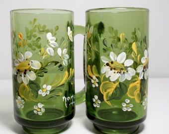 Green Glass, Mugs, Hand Painted, Scandinavian Design, Folk Art, Hand Painted Flowers, Daisies, Garden Design, Home Decor, Kitchen Decor.