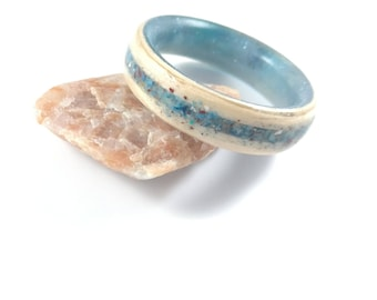 Anniversary epoxy resin ring stone white oak custom ring bentwood wood jewellry epoxy resin non-allergic turquoise jasper blue ring