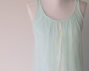 Vintage 1960s Green Double Chiffon Sissy Nightgown by Miss Elaine S