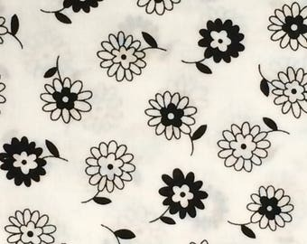 Cotton Fabric / Black and White Floral Cotton Fabric / Floral Fabric / Floral Cotton Fabric / Black and White Fabric / MBT