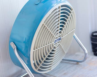 1950's Vintage Fan in Turquoise Blue and Chrome, 50's Lakewood Floor or Table Fan