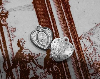 2pcs TINY MIRACULOUS MEDALS Vintage Religious Heart Charms France