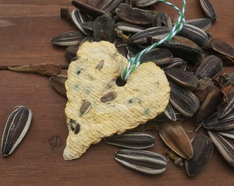 Yellow Sunflower Plantable paper hearts seed paper, recycled paper sunflower seeds sunflower seed bombs bird feeder paper flowers seed paper