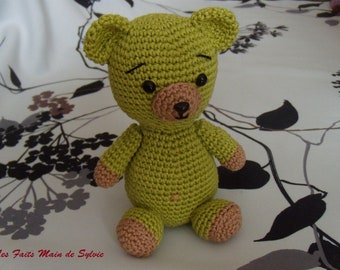 The bear crochet pistachio