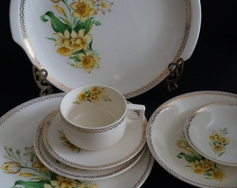 Vintage, Seven Piece Table Setting by Everbrite Cornan CO102 China