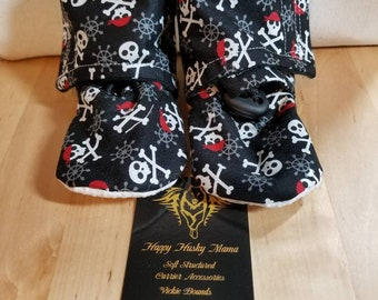 Soft Sole Crib Shoes with grippy soles Pirate skulls and cross bones  Size 18-24 months Maggie's Stay on Booties