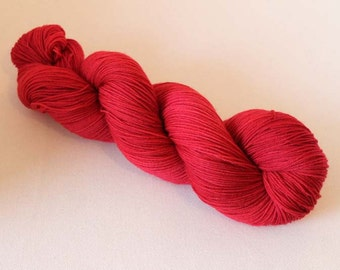 Semisolid red, Hand dyed Merino Sock 75/25 sw merino/nylon