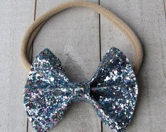 Dew drop glitter bow