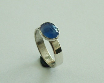 Silver ring with blue agate (chalcedony) size 18