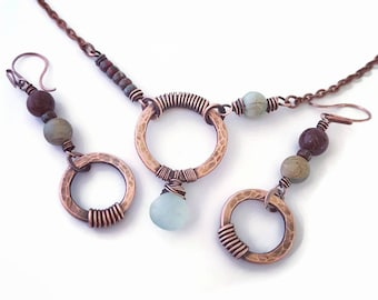Blue copper wire jewelry set blue chalcedony necklace  hammered circle necklace  copper wire earrings jasper earrings wire wrapped jewelry