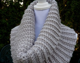 Chunky crocheted cowl, Ladies cowl crochet. Trendy chunky cowl, Natural colors cowl, Warm soft crochet scarf, infinity cowl.