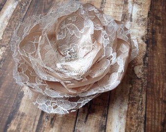 Champagne and Ivory Lace Bridal Hair Flower / Champagne and Ivory Lace Broach / Champagne and Ivory Lace Facinator / Bridal Hair Comb