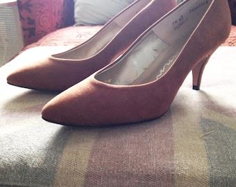 Vintage Connie Light Tan Suede Heels Size 7.5
