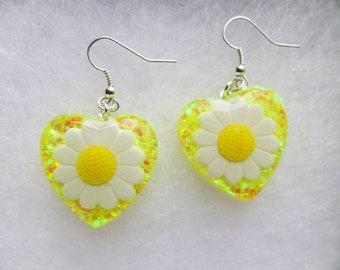 Daisy Spring Yellow White Glitter Festival Gypsy Carnival Kawaii Kitsch Resin Earrings Iridescent EDC