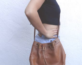 brown leather purse // leather bucket bag // leather cross body // vintage Saks purse