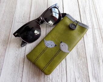 Glasses case in olive green with grey birds, eyewear case, sunglass case, eye glass case, cute vegan friendly eyewear case