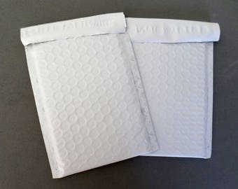 Poly Bubble Mailers, Size 000, 4 x 8 inch, pkg of 12 each, Destash Shipping Supplies, ID 526382062