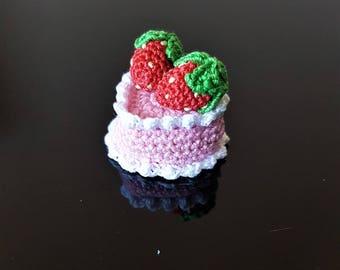 Dollhouse birthday cake Crochet heart cake Mini pink cake Mini strawberry cake Crocheted food Mini fake food Childrens play food Fake cake