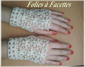Mitaines dentelle de fleurs ivoire en coton au crochet