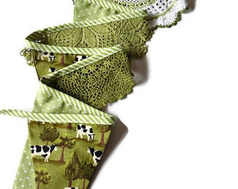 Handmade doily bunting, cow bunting, apple green, room decoration, party decoration, garland, eco friendly
