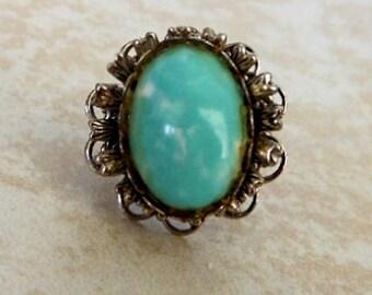 Vintage Southwest Blue Resin Ring     Size 5     Silver tone