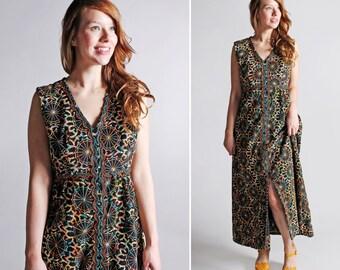 Vintage des années 1970 psychédélique Maxi Dress - brodé de Sequins gras noir Multi couleur des années 70 60 s Boho Hippie Bohème femmes Long - taille Large