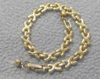 """Vintage Silver """"x"""" Link Bracelet- Magnet Clasp"""