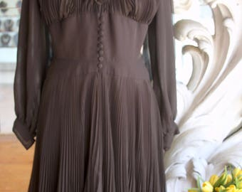 Vintage 1970s Brown Swirly Pleated & Ruffled Dress 38 Bust