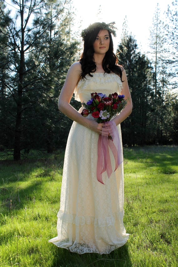 WILDFLOWER Vintage 1970's Wedding Gown Prairie Bridal Cream Boho Gunne Sax Style