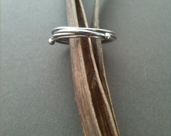 intertwined simple silver ring